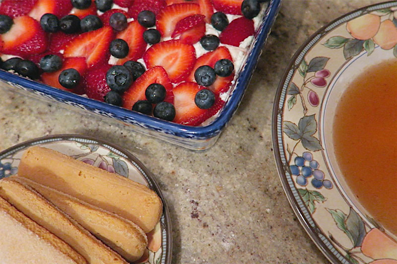 strawberry-blueberry-berry-fruit-tiramisu