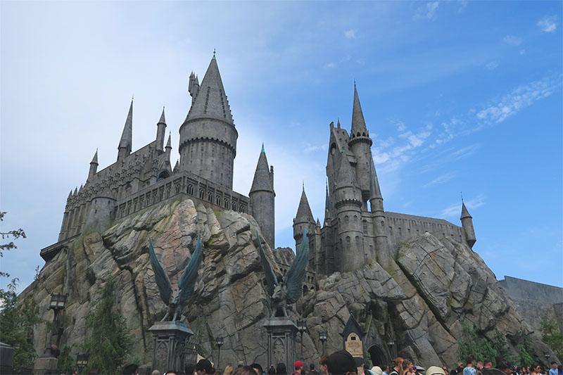 wizarding-world-harry-potter-hollywood-hogwarts-castle