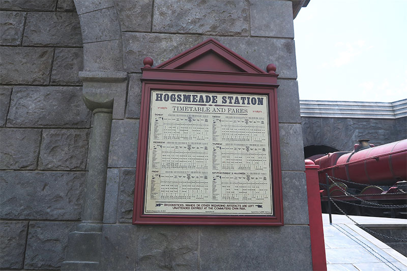 wizarding-world-harry-potter-hollywood-hogsmede-station-timetable-sign